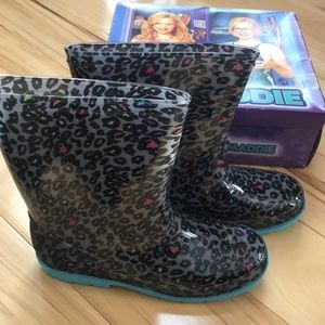 Colorful leopard rain boot.  Disney Liv and Maddie